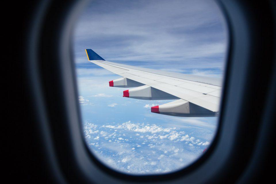 飛行機の座席からの景色
